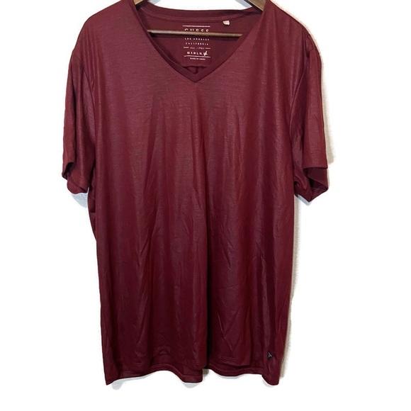 Guess men's XXL t-shirt burgundy v-neck